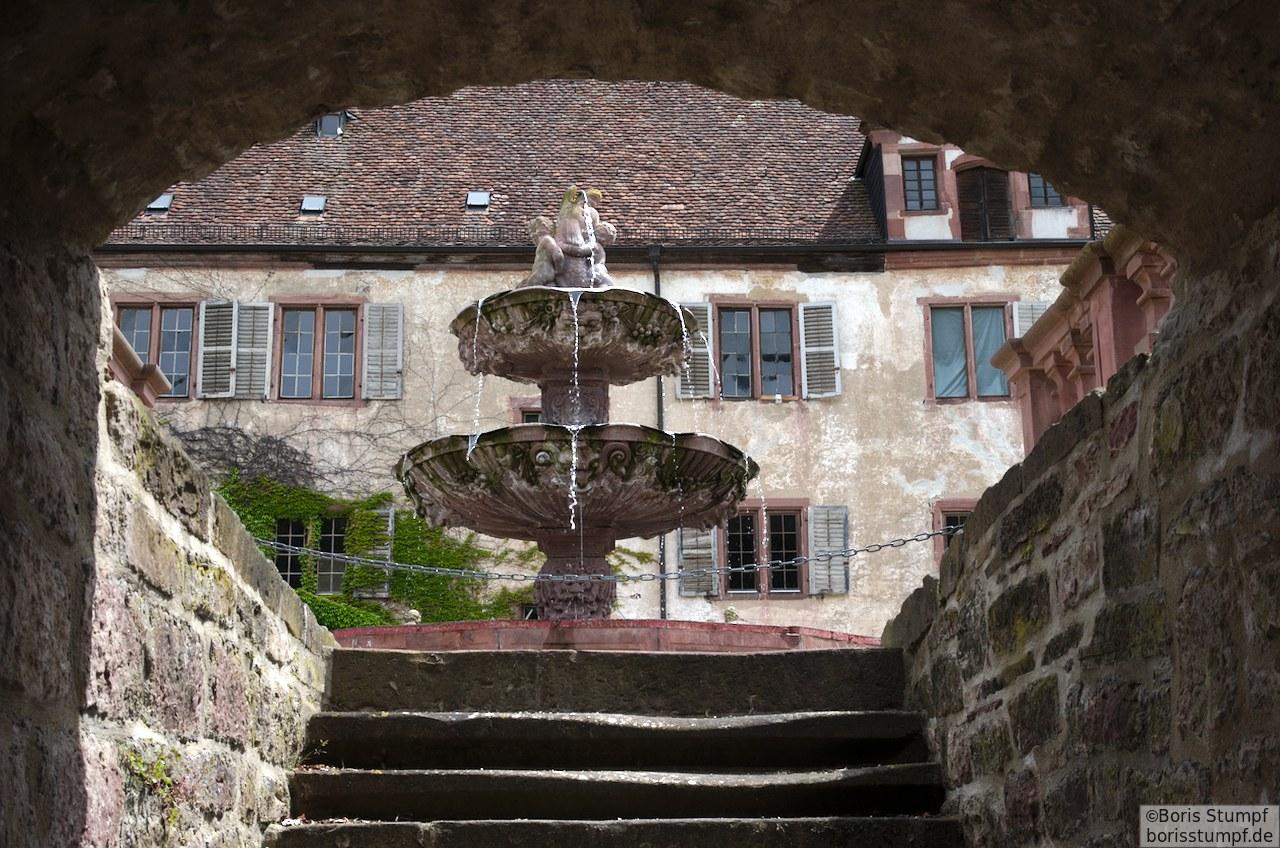 Alter Brunnen im Tauberland